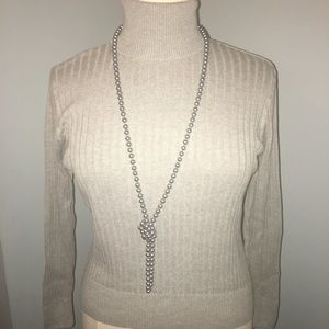 Sweater turtleneck